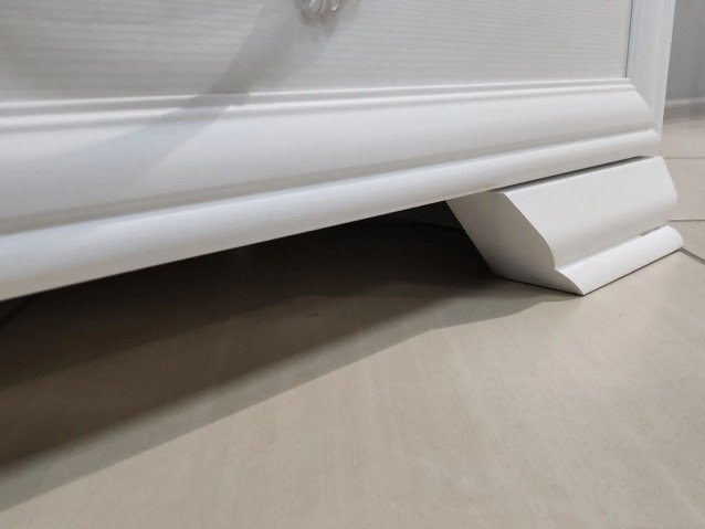Шкаф-витрина ( 1 дверь + 3 стекла ) Грация Лак Белый